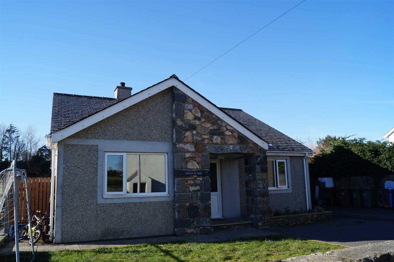 Lon Rhos, Edern - £200,000/Offers over